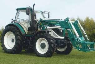 Ciągnik arbos serii 5000 z ładowaczem czołowym marki Hydramet