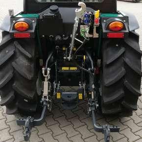 Pełne wyposażenie na tyle ciągnika Arbos 4000