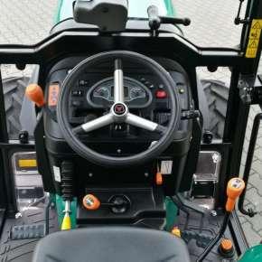 Komfortowa kabina kierowcy maszyny Arbos 4000