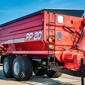 Przyczepa przeładowcza PP 20 firmy Metaltech o ładowności 20 ton tandemowa