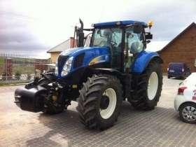 Ciągnik rolniczy New Holland T 6080 z 2011 roku zdjęcie przód