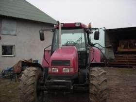 Przód ciągnika rolniczego uzywanego marki CASE CS 110 SPECIAL