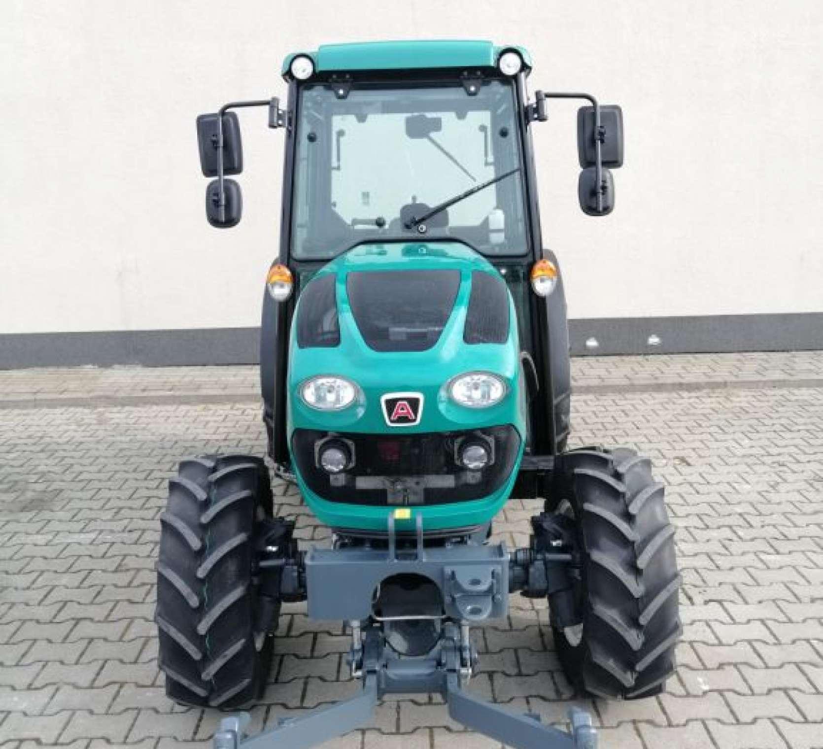 Arbos 4100F wąski traktor sadowniczy