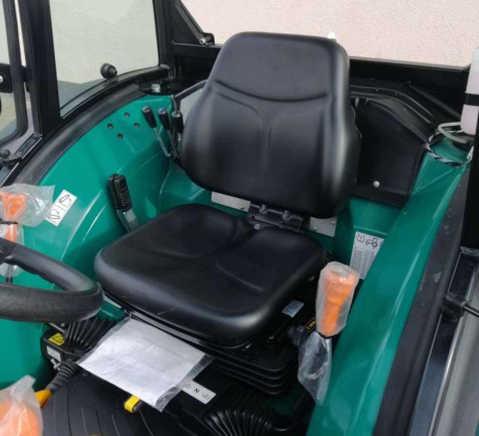 Arbos 4100F wygodna i komfortowa kabina ciągnika