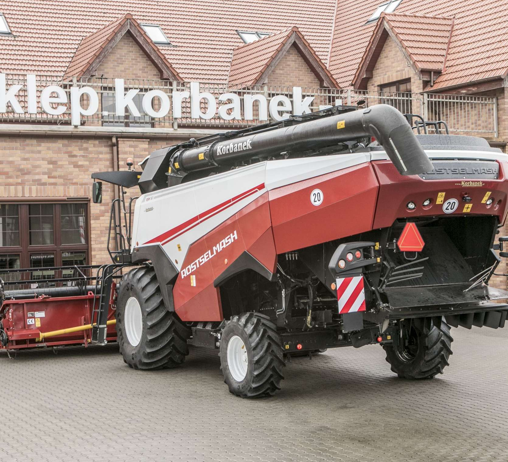 Kombajn zbożowy Rostselmash RSM 161 silnik cummins 380 KM promocja korbanek.pl