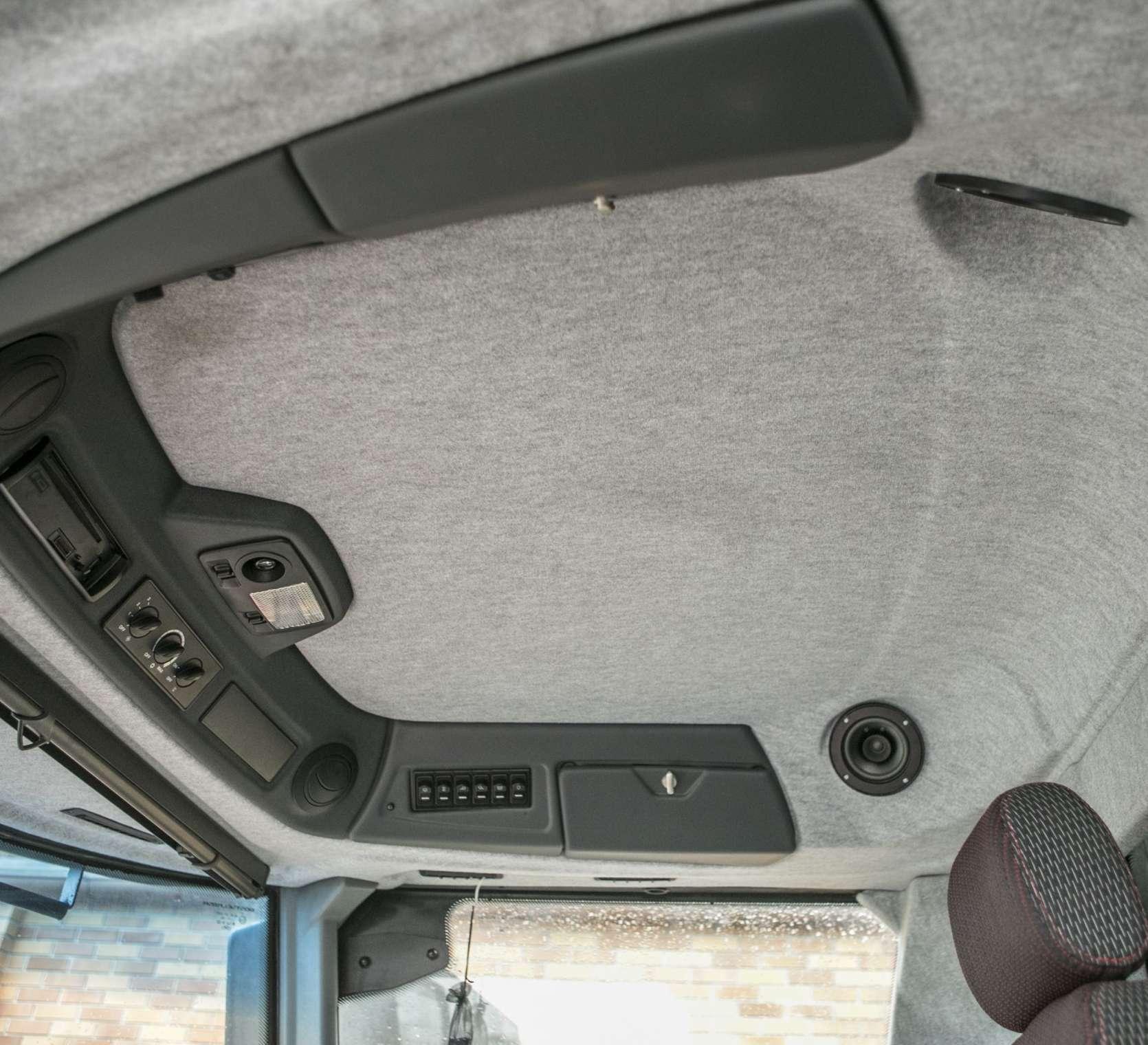 Kombajn zbożowy Rostselmash RSM 161 przestronna kabina Luxory cab oferta korbanek.pl
