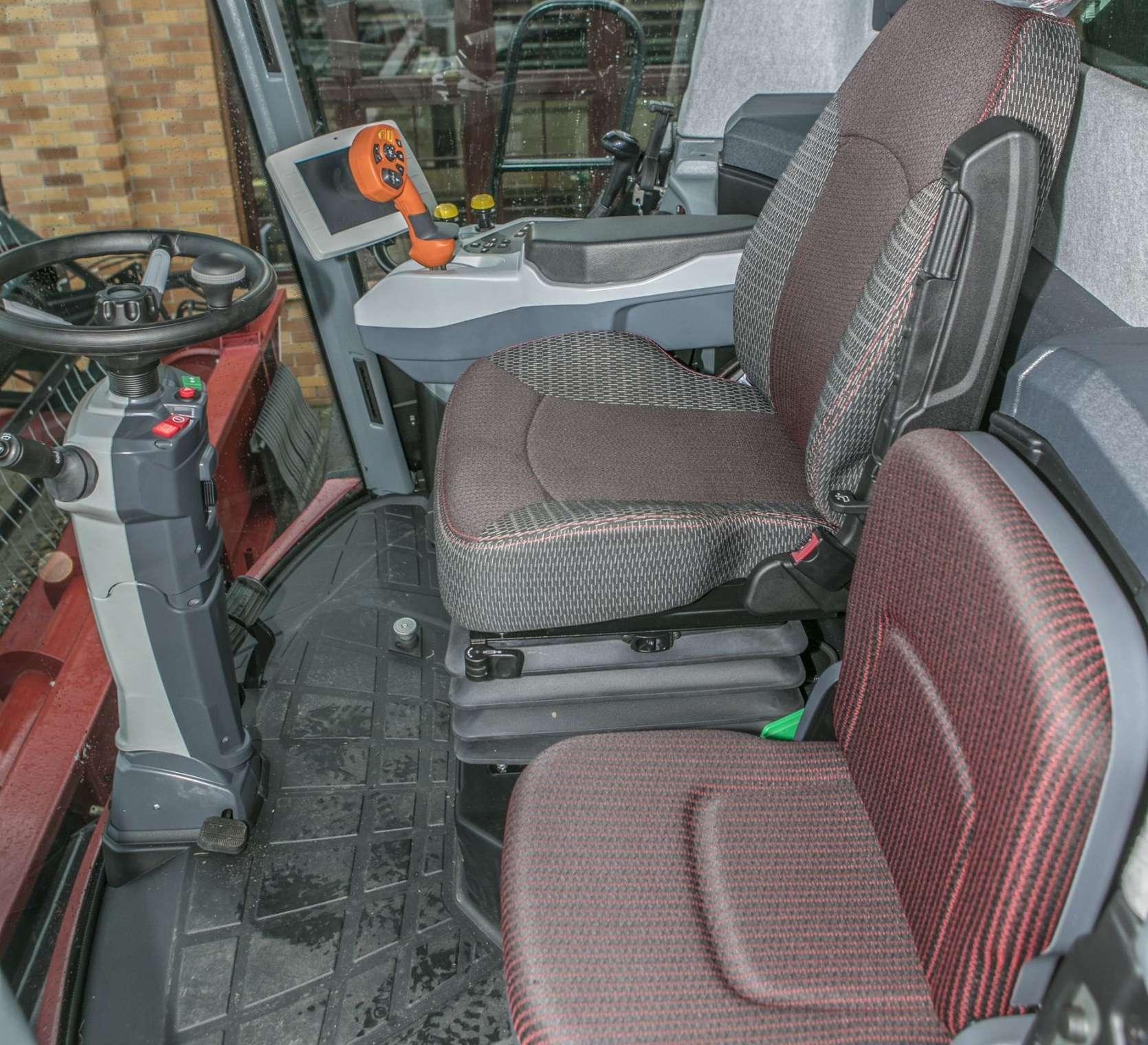 Kombajn zbożowy Rostselmash RSM 161 kabina Luxory Cab oferta korbanek.pl