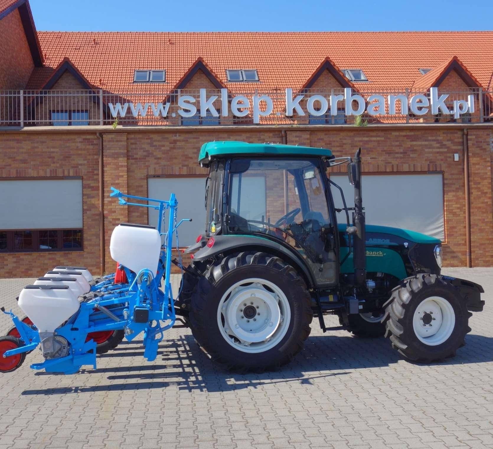Siewnik do kukurydzy MONOSEM z ciągnikiem Arbos 3075