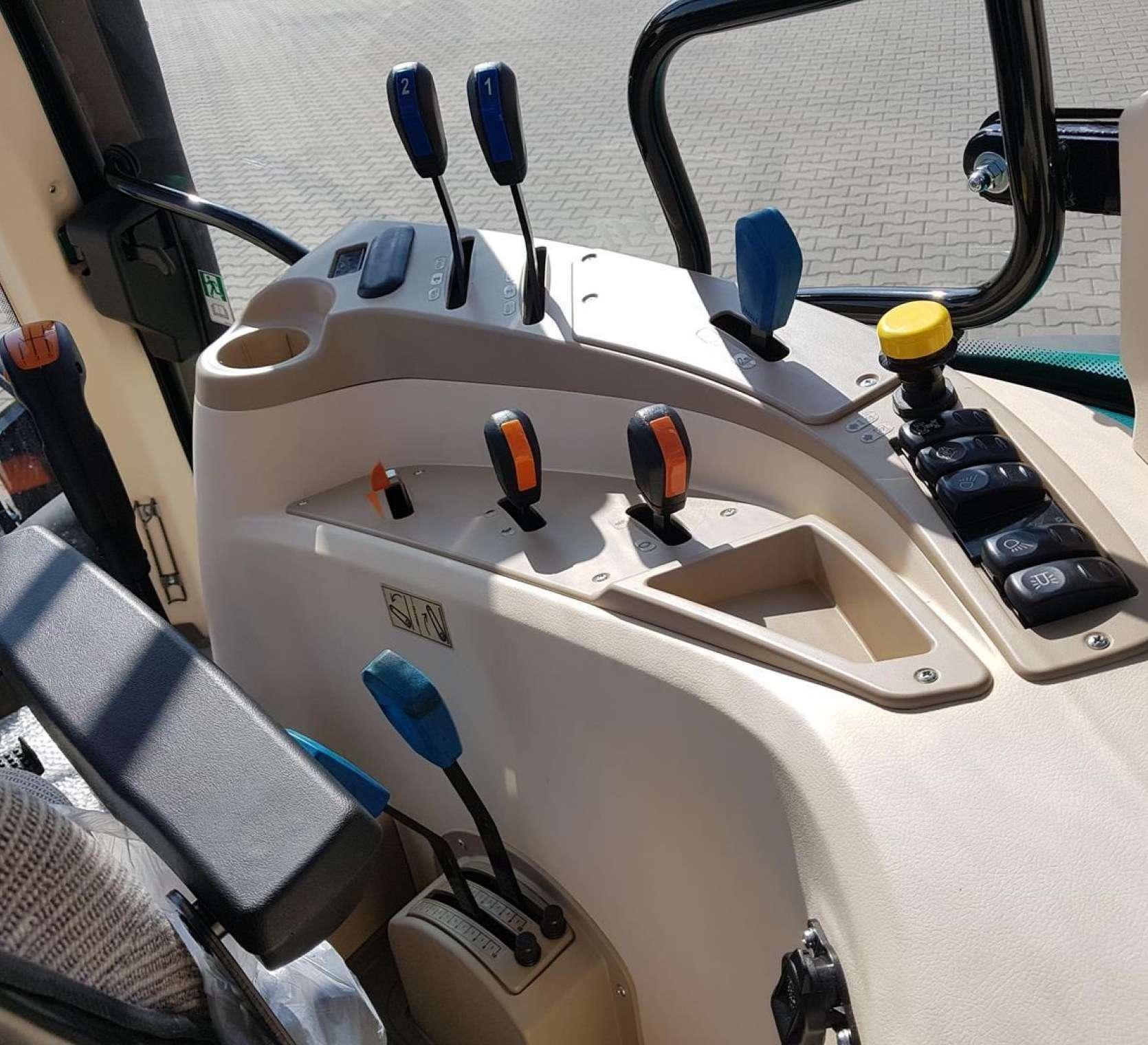 Panel sterowania przyciski od TUZ WOM wyjść hydraulicznych
