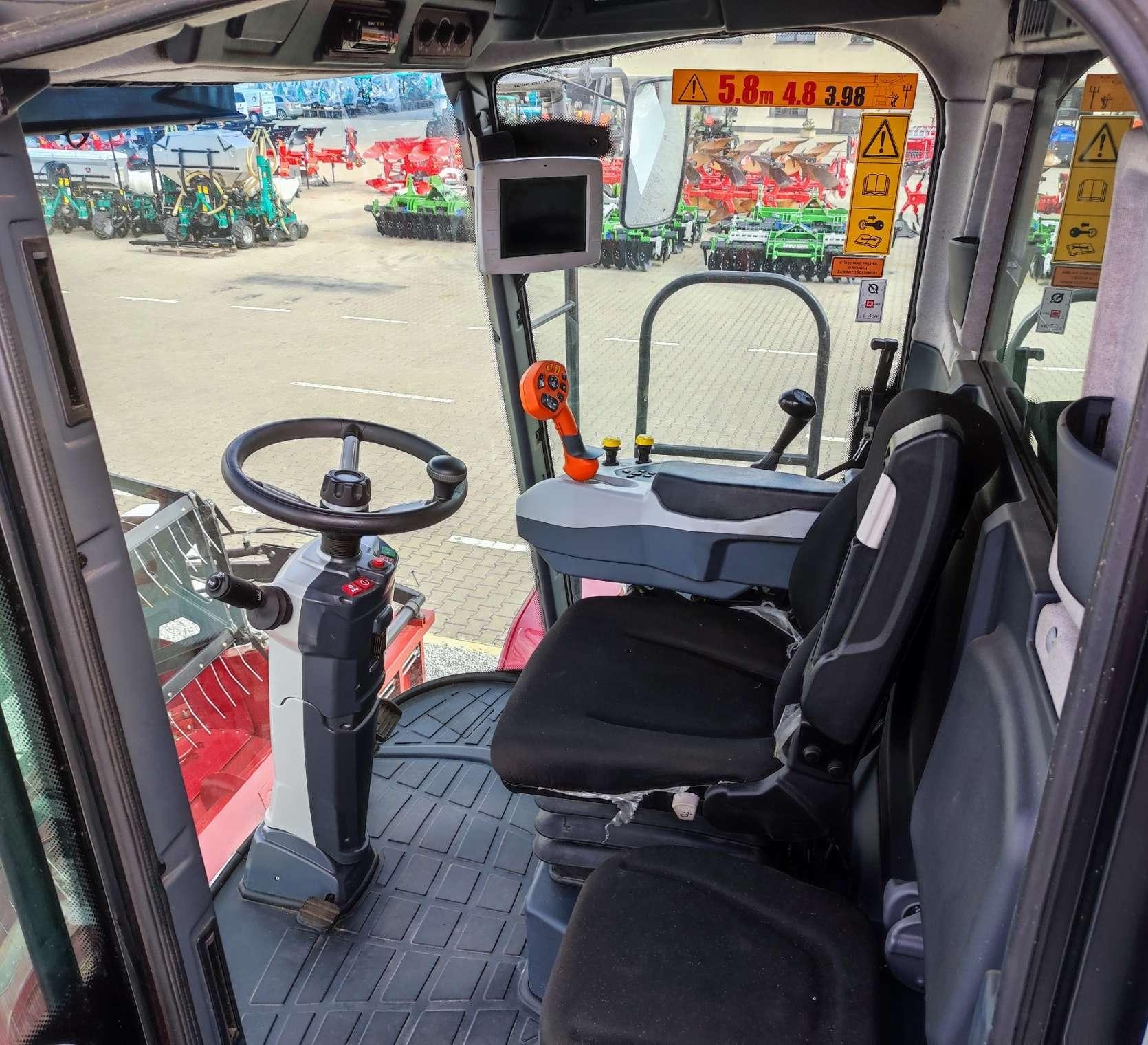 Rostselmash Vector 425 kabina