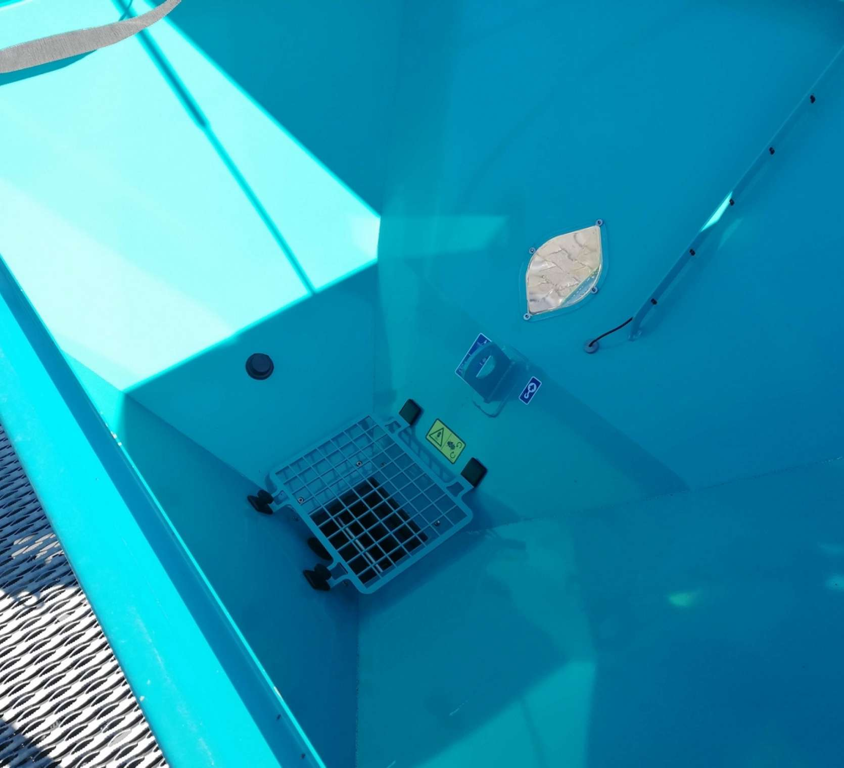 Wnętrze zbiornika na ziarno, czujnik poziomu
