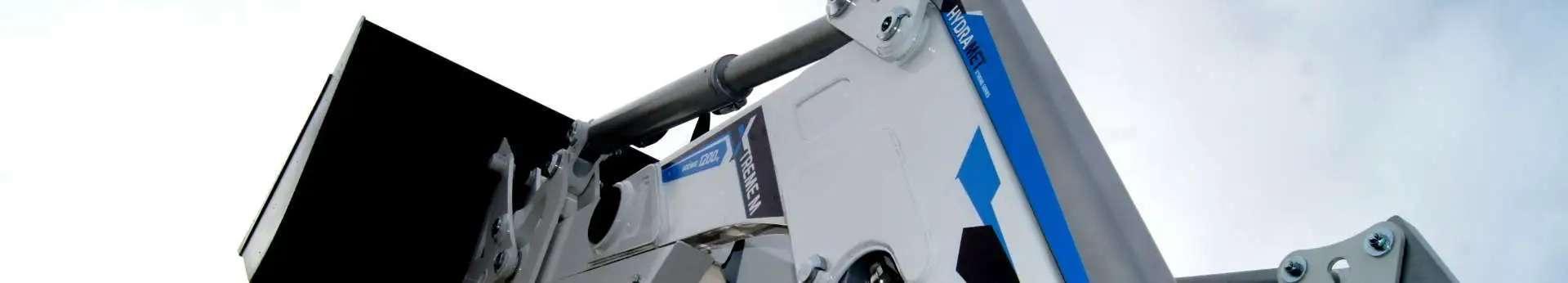 Zdjęcie przedstawiajace ładowacz czołowy Hydramet Xtreme M, sprzedawany przez korbanek.pl.