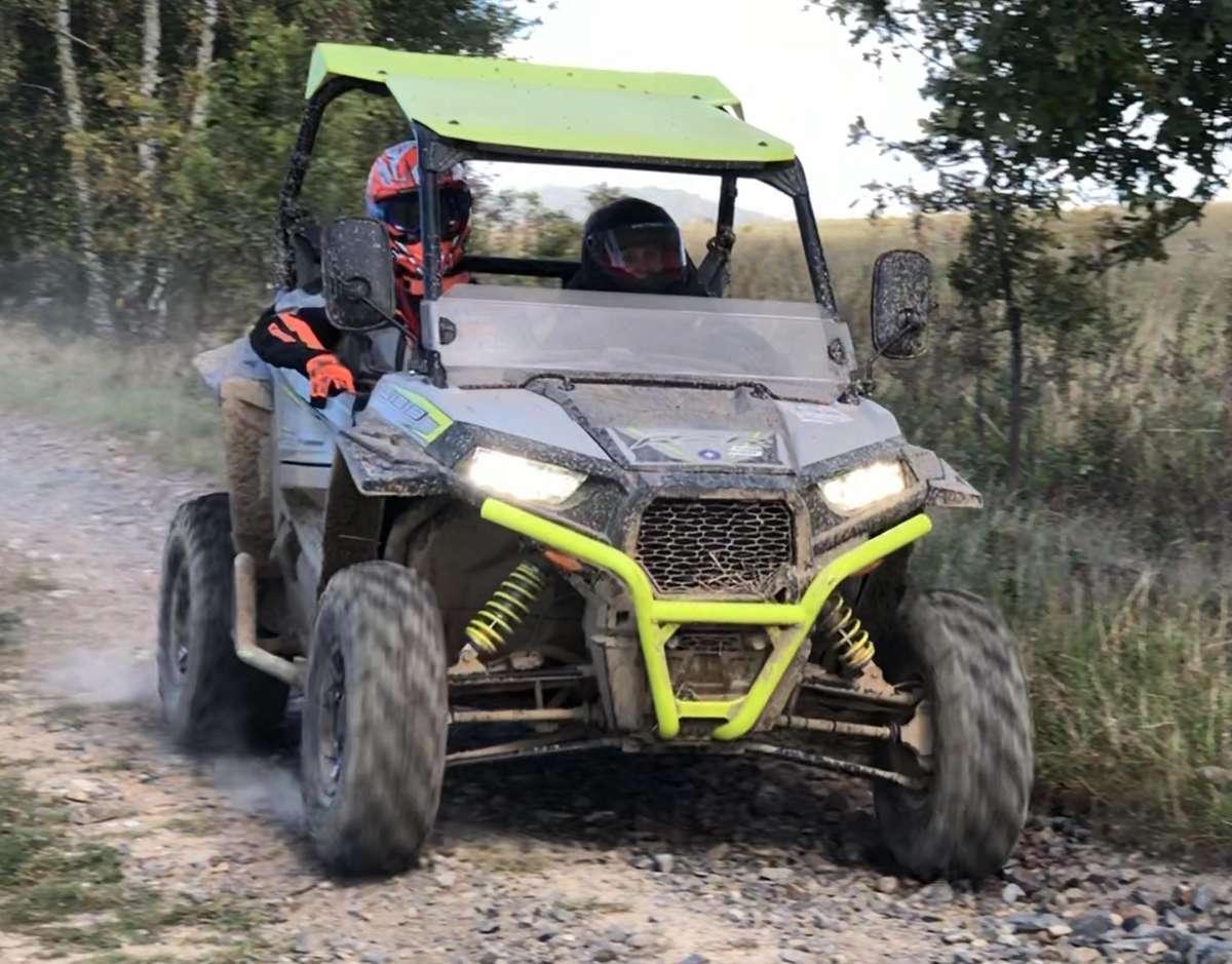 mały quad z ramą Polaris RZR 900