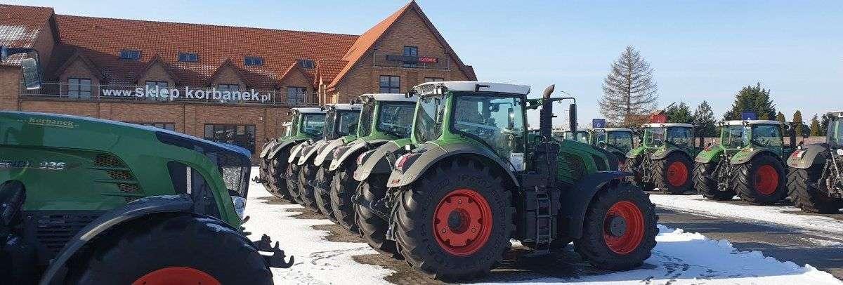 Plac maszynowy z ciągnikami Fendt z oferty www.korbanek.pl