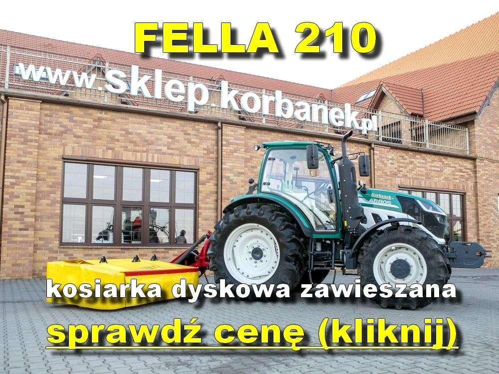 Fella kosiarka 210 z ciągnikiem Arbos na tle sklepu www.korbanek.pl