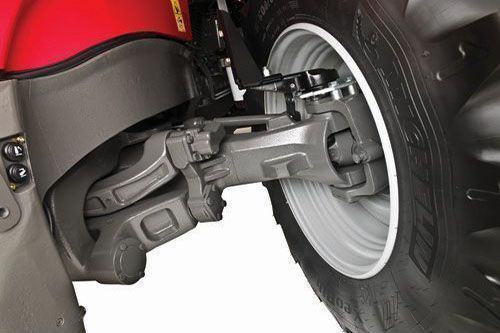 Amortyzowana oś QuadLink w traktorze Massey Ferguson oferuje wysoki komfort prowadzenia.