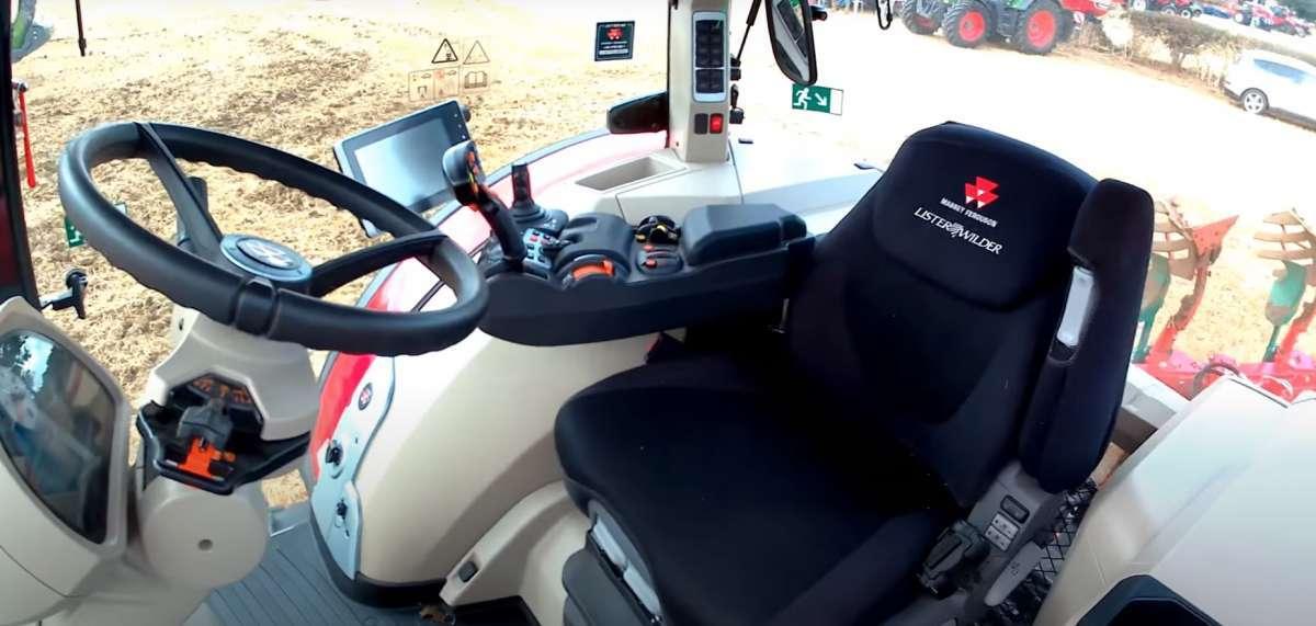 Komfortowa kabina w Massey Ferguson 8700