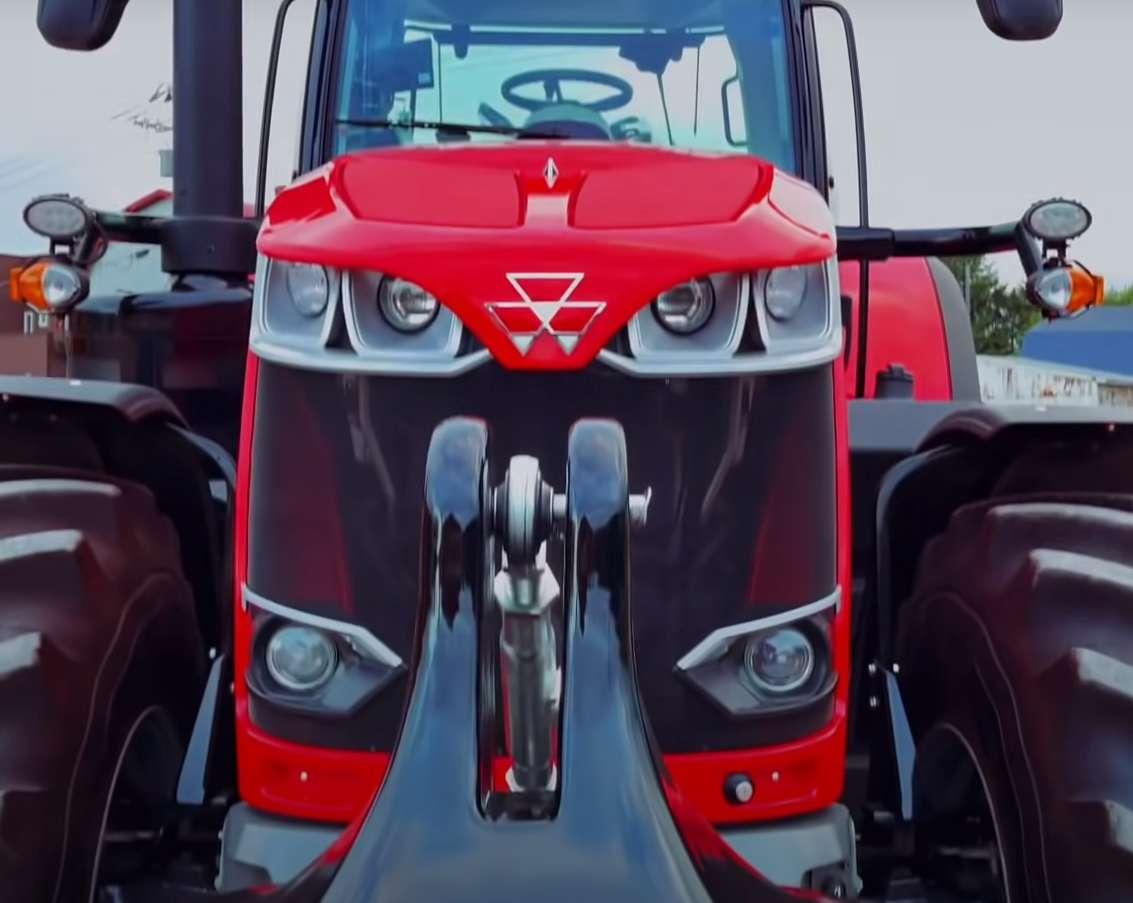Dopracowany traktor Massey Ferguson 8700
