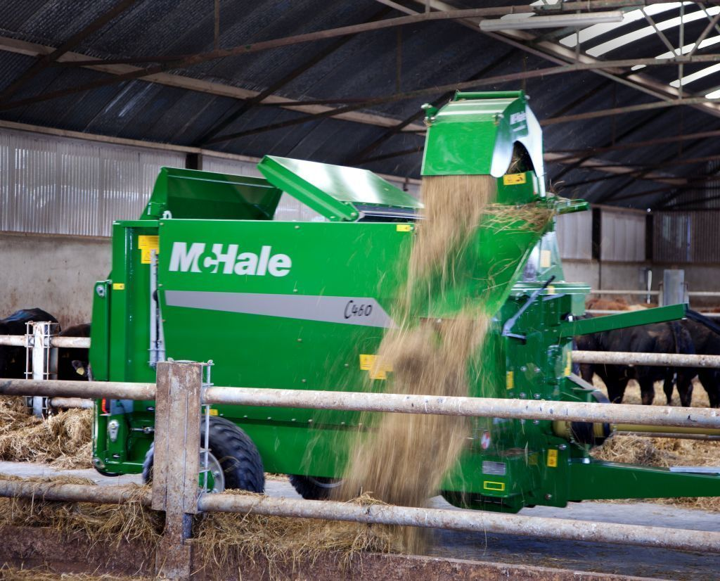 Ścielarka do słomy McHale C460 C470 wyrzut słomy