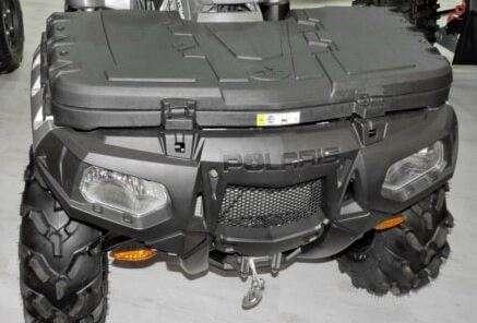 Przedni kufer w Polaris Sportsman xp 1000