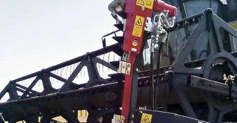 przezbrojenie hederu do zbioru rzepaku kombajn Rostselmash Vector 425