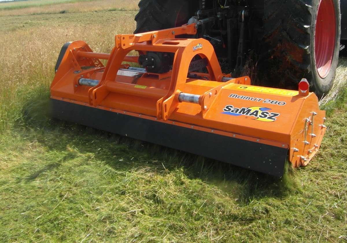 Mulczer, kosiarka bijakowa mulczująca firmy Samasz typ MAMUT to idealna maszyna dla firm komunalnych korbanek.pl