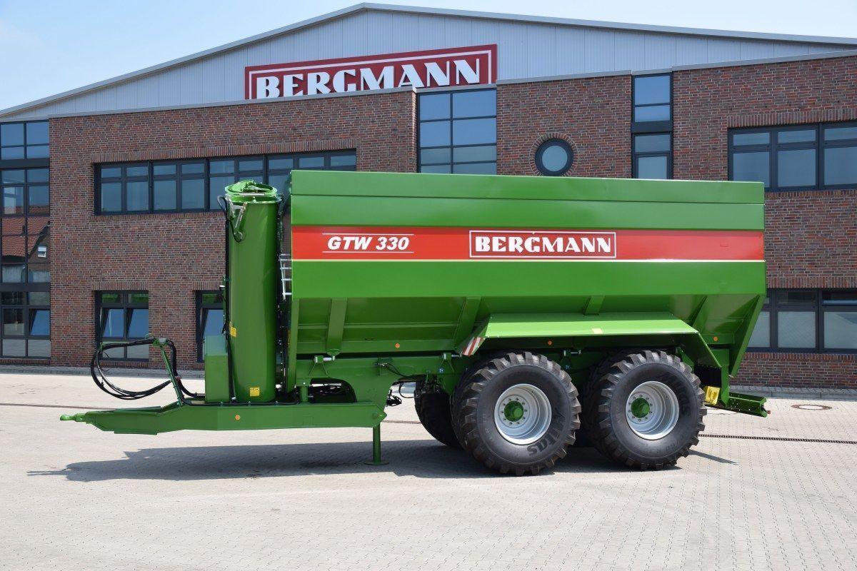 Przyczepa przeładunkowa stojaca solo na placu fabrycznym firmy Bergmann typ GTW 330